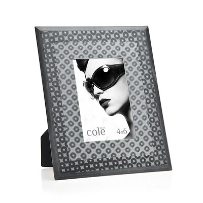 3D Circles Picture Frame Color: Black 20820