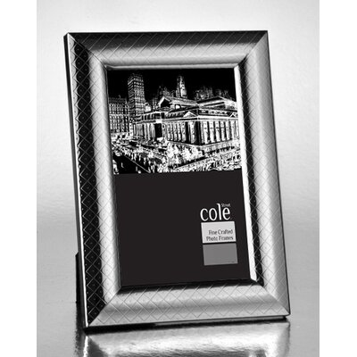 Dot Picture Frame Size: 8 x 10
