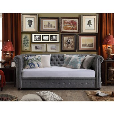 Bannruod Chesterfield Daybed Finish: Gray