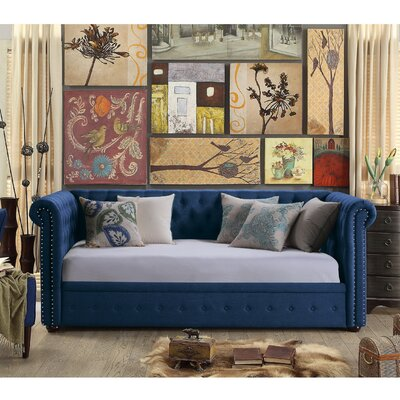 Bandecca Chesterfield Daybed Finish: Classic Navy