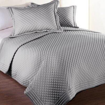 Microfiber Stain and Water Resistant Diamond Quilt Size: King, Color: Silver