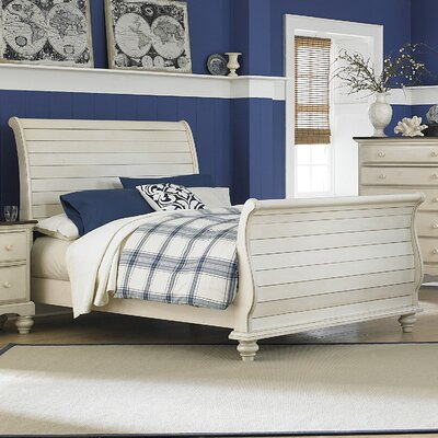 Alise Sleigh Bed Size: Queen, Color: Old White