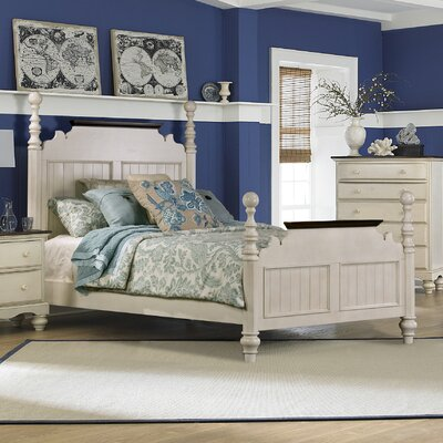 Alise Panel Bed Size: Queen, Finish: Old White
