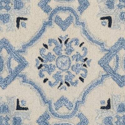 Perine Hand-Tufted Ivory Blue Area Rug Rug Size: Rectangle 4 x 6