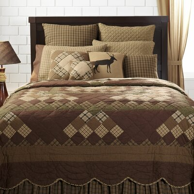 Vernonburg Scalloped Quilt Size: Queen