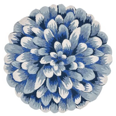 Ismay Hand-Tufted Blue Indoor/Outdoor Area Rug Rug Size: Round 5