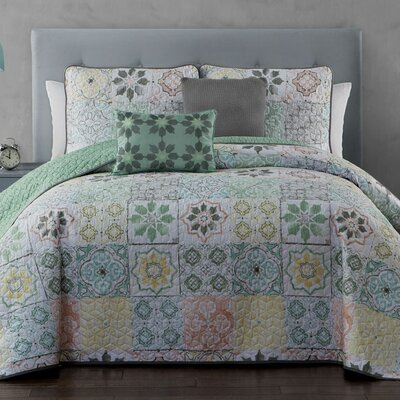 Coline 5-piece Quilt Set Size: Queen