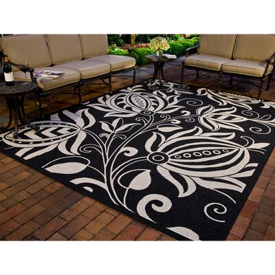 Laurel Black & Tan Indoor/Outdoor Area Rug Rug Size: Rectangle 4' x 5'7