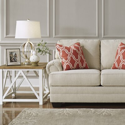 Winn Loveseat