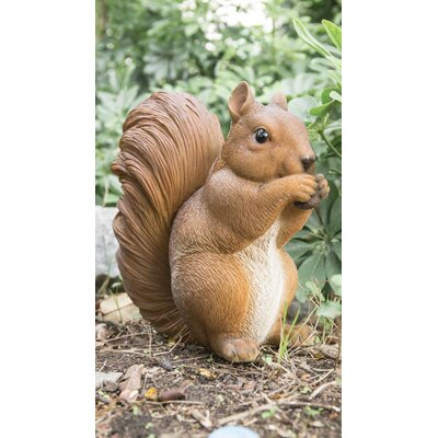 Hambly Squirrel Eating Statue 23638A10D99442E892F224050519684C