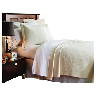 Levesque Coverlet Size: Queen, Color: Ecru