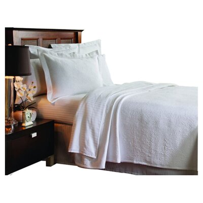 Levesque Season Butterfield Coverlet Size: Queen, Color: White