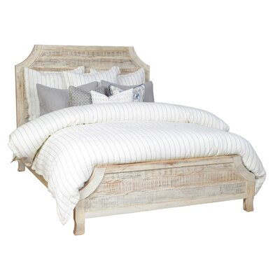 Amelie Platform Bed Size: Queen