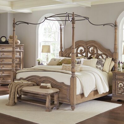 George Canopy Bed Size: California King