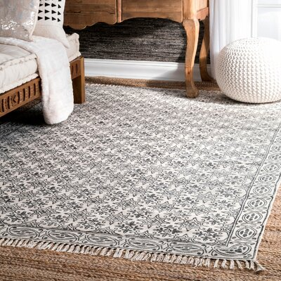 Raelyn Handmade Off White Area Rug Rug Size: 5 x 8