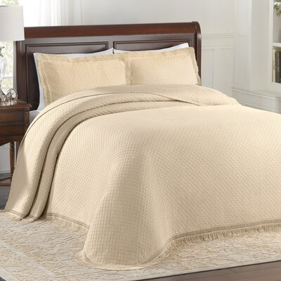 Beverly Hills Bedspread Size: Queen, Color: Ivory