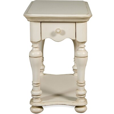 Vassar Chairside Table