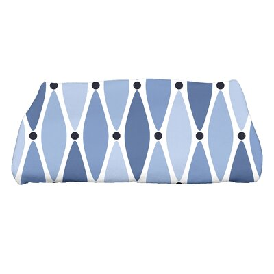 Wavy Geometric Print Bath Towel Color: Blue
