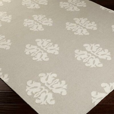 Chastain Pewter/Winter White Floral Area Rug Rug Size: 36 x 56
