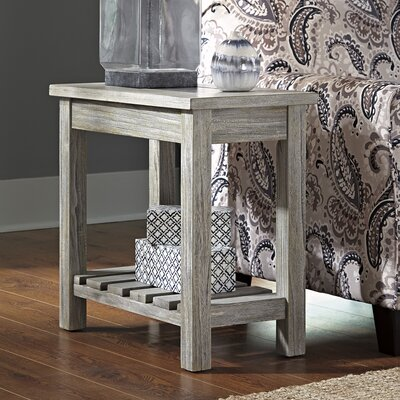 Briarwood Chair End Table