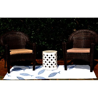 Golden Lakes Blue Indoor/Outdoor Area Rug Rug Size: 5 x 7
