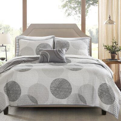 Waveside Coverlet Set Size: Queen, Color: Gray