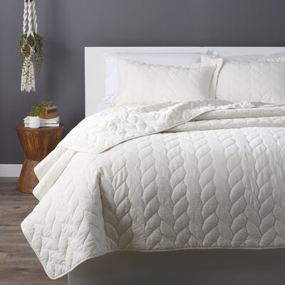 Taft Quilt Set Size: King, Color: Ivory
