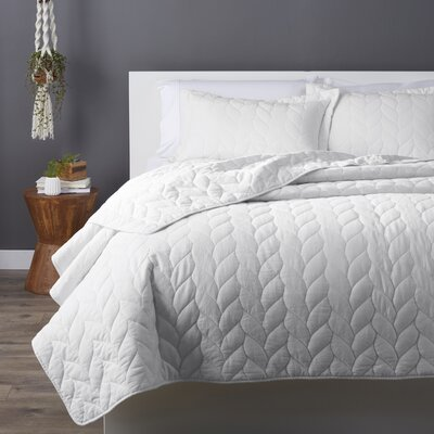 Taft Quilt Set Size: Twin, Color: White