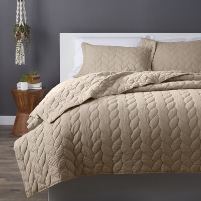 Taft Quilt Set Size: King, Color: Taupe