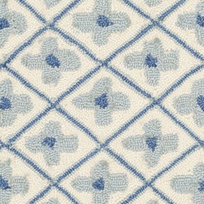 Roblin Ivory/Light Blue Rug Rug Size: Round 6'