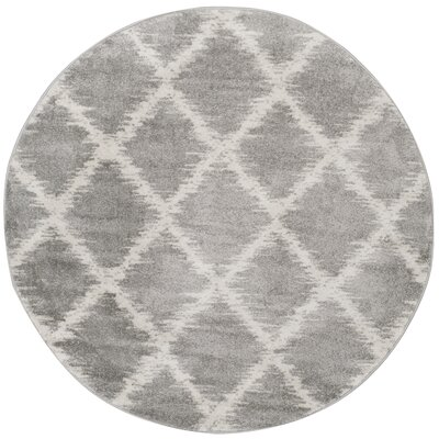 St. Ann Highlands Silver/Ivory Area Rug Rug Size: Round 6