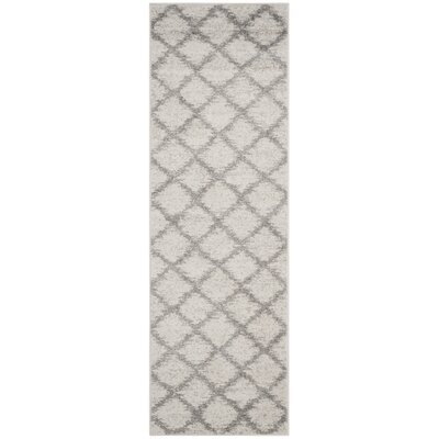 St. Ann Highlands Ivory/Silver Area Rug Rug Size: Runner 26 x 12