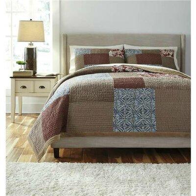 Shuksan Patchwork Comforter Set Size: Queen