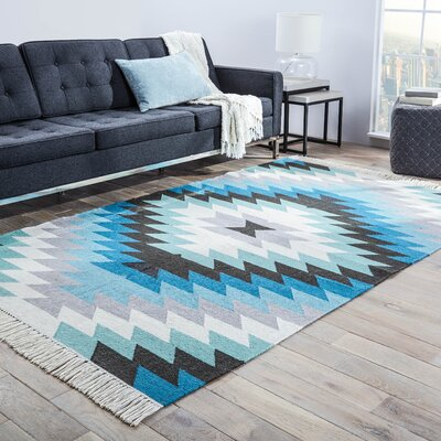 Boquillas Blue & Gray Tribal Indoor/Outdoor Area Rug Rug Size: 5 x 8