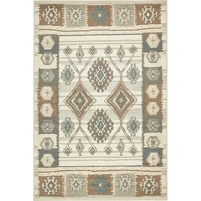 Giovanni Ivory Area Rug Rug Size: 4 x 6