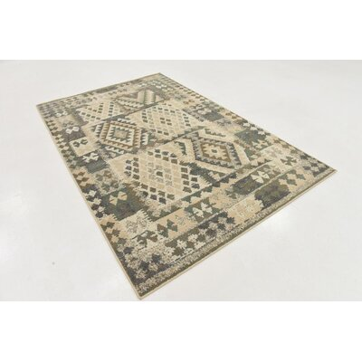 Giovanni Cream Indoor Area Rug Rug Size: 5 x 8