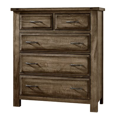 Fairfield 5 Drawer Chest by Simmons Casegoods Color: Maple Syrup