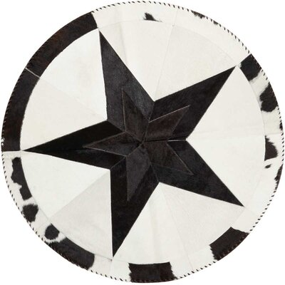 Arcata Black/White Area Rug