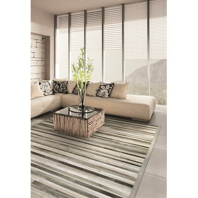 Covina Hand-Woven Gray/Ivory Area Rug Rug Size: Rectangle 36 x 56