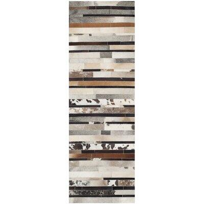 Barr Ivory / Brown Rug Rug Size: Runner 23 x 7