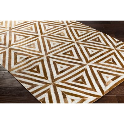 Armando Hand-Crafted Brown Indoor Area Rug Rug Size: Rectangle 5 x 76