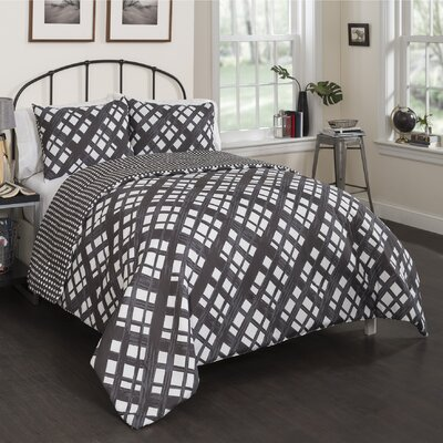 Apoch Reversible Comforter Set Size: Full/Queen