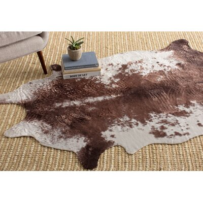 Lassic Brown Area Rug Rug Size: 59 x 77