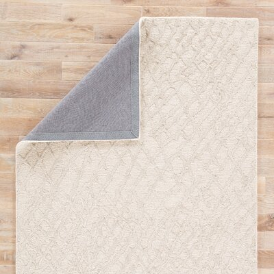 Elyse Wool Ivory/Gray Area Rug Rug Size: 5 x 8
