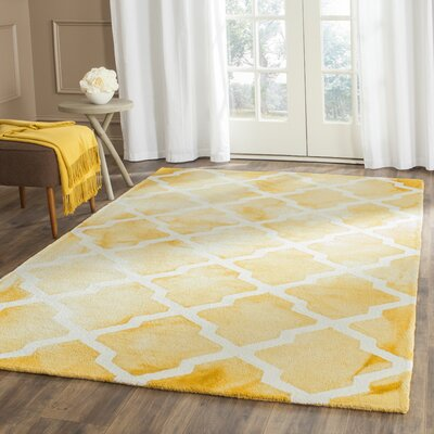Hand-Tufted Gold/Ivory Area Rug Rug Size: Rectangle 4 x 6