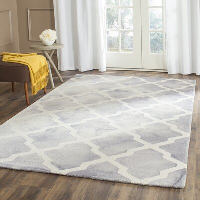 Ashanti Hand-Tufted Grey/Ivory Area Rug Rug Size: Rectangle 4 x 6