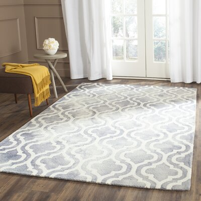Bettina Hand-Tufted Gray/Ivory Area Rug Rug Size: Round 7
