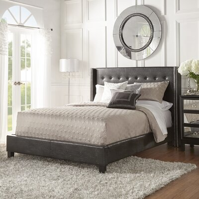 Full/Double Upholstered Platform Bed Size: Queen