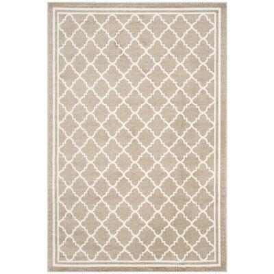 Levon White/Beige Area Rug Rug Size: 5 x 8