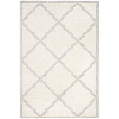 Maritza Geometric Beige/Light Grey Area Rug Rug Size: 5 x 8